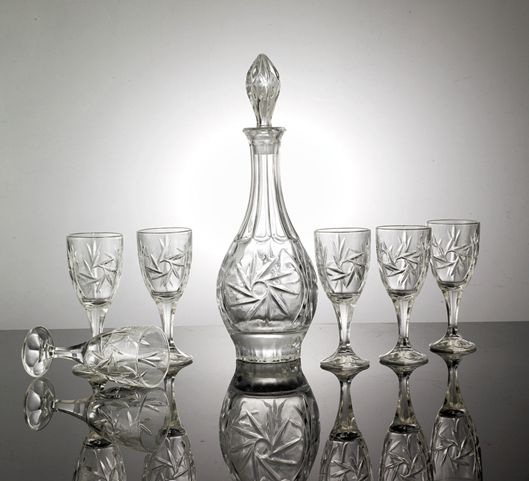 商务场合职场礼物水晶亮度晶白料白酒套装